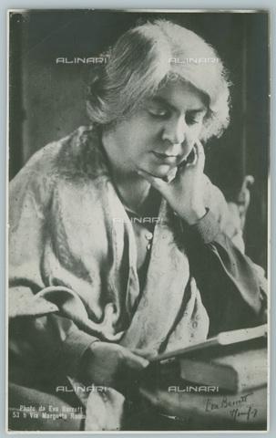 TCI-S-003637-AR11 - La scrittrice italiana premio Nobel Grazia Deledda (1873-1936) - Touring Club Italiano/Gestione Archivi Alinari