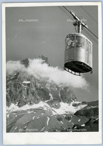TCI-S-011906-AR03 - cableway Furggen on the Matterhorn, 1953 - Touring Club Italiano/Alinari Archives Management