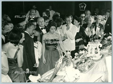 TCI-S-012236-AR03 - transatlantico augustus, cena fredda di mezzanotte, 1966 - Touring Club Italiano/Gestione Archivi Alinari