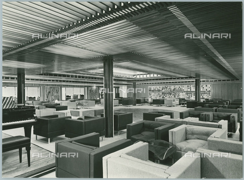 TCI-S-012726-AR03 - transatlantico leonardo da vinci, sala delle feste di prima classe, 1960 - Touring Club Italiano/Gestione Archivi Alinari