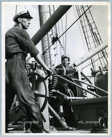 TCI-S-013557-AR03 - English cable-laying ship, 1953 - Touring Club Italiano/Alinari Archives Management