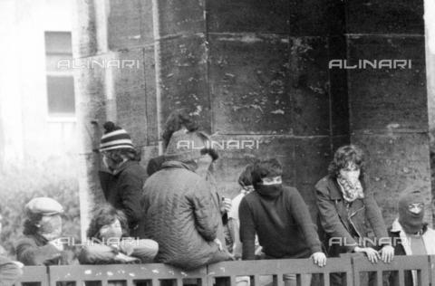 TEA-F-000008-0000 - Studenti durante le proteste del 1968 - Data dello scatto: 1968 - Archivi Alinari, Firenze