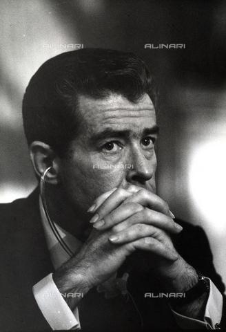 TEA-S-000758-0002 - Primo piano di Jean Jacques Servan Schreiber fondatore del settimanale francese l'Express - Data dello scatto: 1970-1980 ca. - Archivi Alinari, Firenze