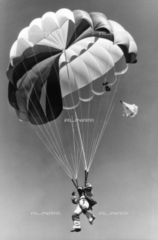 TEA-S-000896-0001 - Man with parachute