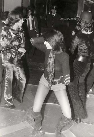 TEA-S-001057-0002 - Festa al night-club 'Number One' di Roma - Data dello scatto: 1970-1979 - Archivi Alinari, Firenze