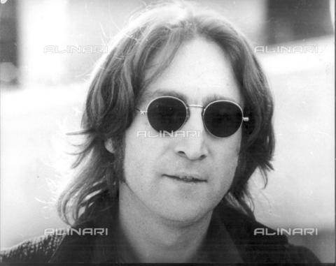 TOP-F-009362-0000 - Il cantante John Lennon (1940-1980) a New York - Data dello scatto: 1974 - TopFoto / Archivi Alinari, PAL