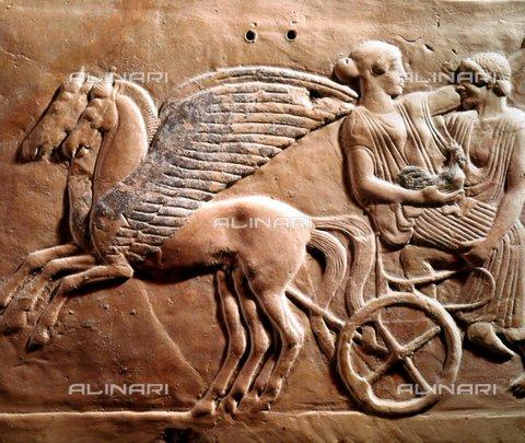 TOP-F-088134-0000 - Un uomo e una donna con un gallo su un carro trainato da due cavalli, rilievo proveniente da Locri, arte della Magna Grecia, Museo Nazionale Archeologico , Taranto - Topham Picturepoint / TopFoto / Archivi Alinari