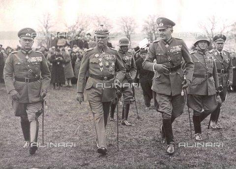TOP-F-111651-0000 - Generale Fritsch, Generale Erich von Ludendorff e il ministro della Difesa von Blomberg durante la celebrazione del 70 ° compleanno del generale Ludendorff - Data dello scatto: 09/04/1935 - TopFoto / Archivi Alinari