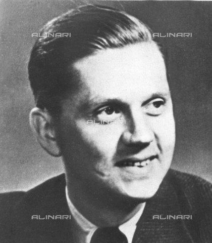 TOP-F-128290-0000 - Walter Schellenberg (1910-1952) member of the SS - TopFoto / Alinari Archives