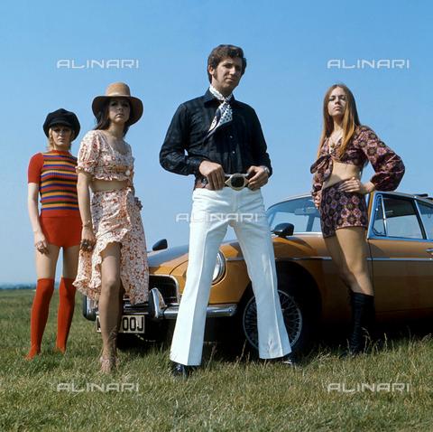 TOP-F-198215-0000 - Moda anni '70. Generale, Moda anni '70 - Data dello scatto: 1970 ca. - 2000 / TopFoto / Archivi Alinari