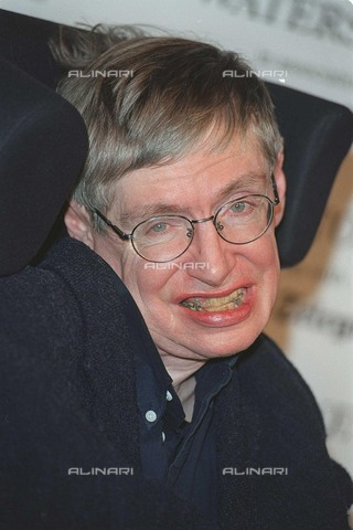 """TOP-F-385358-0000 - Portrait of the scientist Stephen William Hawking (1942-2018), considered one of the most important physicists in the world, photographed during the presentation of his new book """"The Universe in a Nutshell"""" (The universe in brief) - Data dello scatto: 08/11/2001 - UPP / TopFoto / Alinari Archives"""