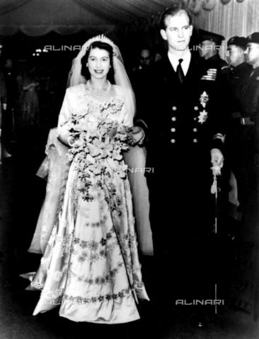 TOP-F-515907-0000 - Il matrimonio tra la Principessa Elisabetta (oggi la regina Elisabetta II) e il Principe Filippo il 20 novembre 1947 - TopFoto / Archivi Alinari