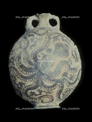 TOP-F-551965-0000 - Vaso con figura dipinta di polpo, ceramica, arte minoica, Museo Archeologico di Heraklion, Creta - TopFoto / Archivi Alinari