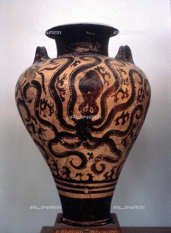 TOP-F-653383-0000 - Pithos con disegno di polpo, terracotta dipinta, arte Minoica, Ashmolean Museum, Oxford - Charles Walker / TopFoto / Archivi Alinari