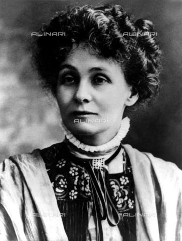 TOP-F-864054-0000 - The English suffragetta Mrs Emmeline Pankhurst (born Goulden) (1858-1928) - TopFoto / Alinari Archives