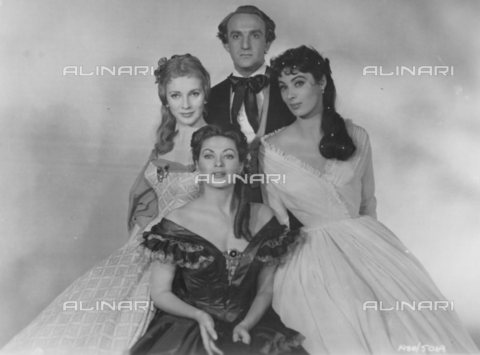 """TOP-S-000115-9389 - Actors Alan Badel as Richard Wagner, Valentina Cortese as Mathilde Wesendonck, Yvonne De Carlo as Minna Planer and Rita Gam as Cosima Liszt in a scene from the movie """"Magic Fire"""" (""""Magic Fire"""") of 1955 - Data dello scatto: 1955 - TopFoto / Alinari Archives"""