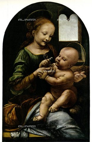 TOP-S-000130-5086 - Madonna Benois, called Madonna del Fiore, oil on canvas, Leonardo da Vinci (1452-1519), Hermitage Museum, St. Petersburg - TopFoto / Alinari Archives