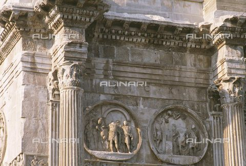TOP-S-00AA00-5975 - Departure for the hunting and Sacrifice in Silvano, relief scenes within rounds, detail of the Arch of Constantine, Rome - AA World Travel Library / TopFoto / Alinari Archives