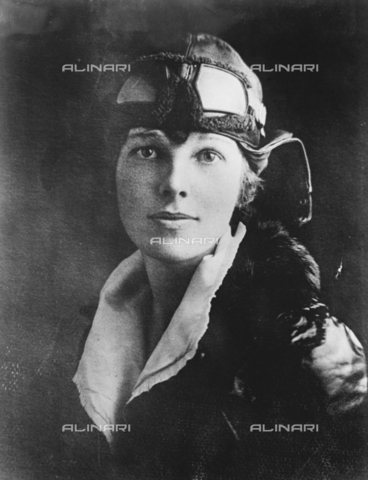 TOP-S-00EU01-7449 - Miss Amelia Earhart (1897-1937), aviatrice statunitense - Data dello scatto: 1918 - TopFoto / Archivi Alinari