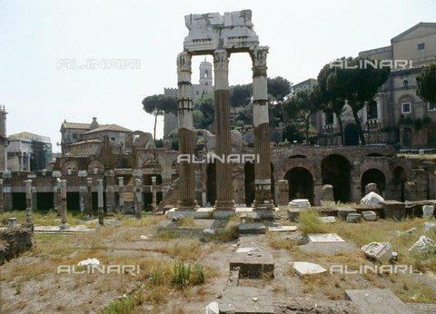 TOP-S-0WF108-1118 - Il tempio di Venere Genitrice (Venus Genetrix) nel Foro di Cesare a Roma - 2006/ Werner Forman / TopFoto / Archivi Alinari