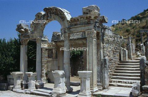 TOP-S-0WF123-1023 - Temple of Hadrian, Roman art, Ephesus, Turkey - Werner Forman Archive / TopFoto / Alinari Archives