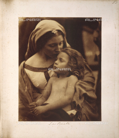 "UIG-F-030109-0000 - ""The Blessed"": allegorical portrait of Mary Anne Hillier with baby, Julia Margaret Cameron photography (1815-1879) - Data dello scatto: 1865 - SSPL / UIG/Alinari Archives"