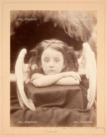 """UIG-F-030110-0000 - """"I Wait"""", """"Io aspetto"""": ritratto di Rachel Gurney, fotografia di Julia Margaret Cameron (1815-1879) - Data dello scatto: 1872 - SSPL / UIG/Archivi Alinari"""