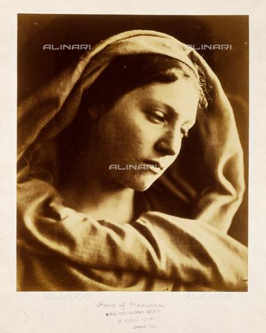 """UIG-F-030113-0000 - """"Mary Mother"""", """"Madonna"""", fotografia di Julia Margaret Cameron (1815-1879) - Data dello scatto: 1867 - SSPL / UIG/Archivi Alinari"""