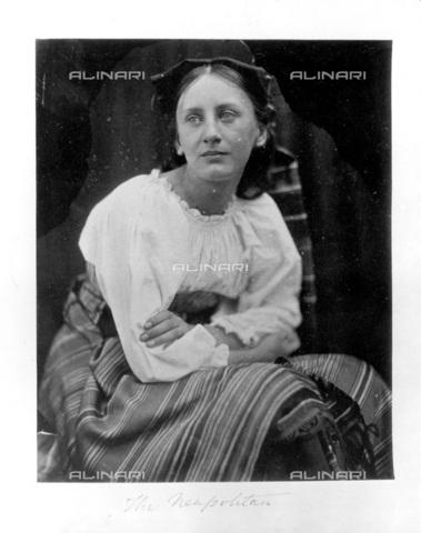 """UIG-F-030126-0000 - """"La napoletana"""", ritratto femminile allegorico, fotografia di Julia Margaret Cameron (1815-1879) - Data dello scatto: 03/02/1935 - SSPL / UIG/Archivi Alinari"""