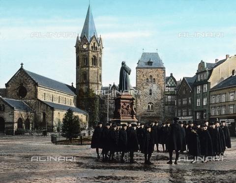 UIG-F-030901-0000 - Karlsplatz square at Eisenach. - Data dello scatto: 1920 - United Archives / UIG/Alinari Archives