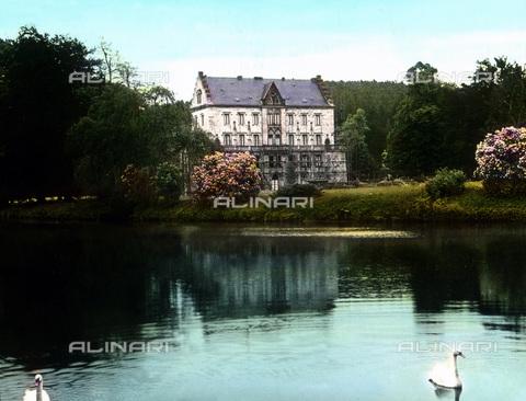 UIG-F-030902-0000 - Reinhardsbrunn castle. - Data dello scatto: 1920 - United Archives / UIG/Alinari Archives