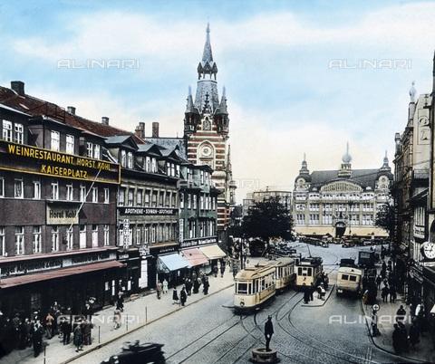 UIG-F-030903-0000 - The Anger avenue at the Erfurt city centre. - Data dello scatto: 1920 - United Archives / UIG/Alinari Archives
