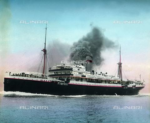 UIG-F-030916-0000 - A steam ship on the Mediterranean line between Marseille, France and Oran, Algeria. - Data dello scatto: 1920 - United Archives / UIG/Alinari Archives
