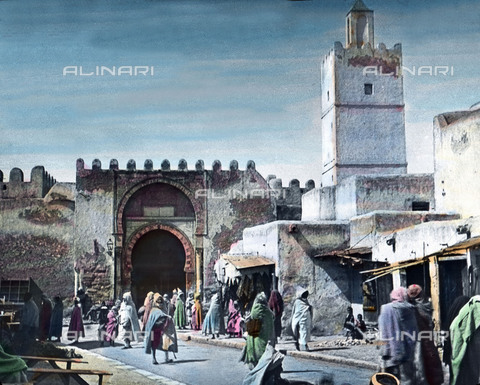 UIG-F-030929-0000 - Vita frenetica nella città santa di Kairouan. - Data dello scatto: 1920 - UIG/Archivi Alinari, United Archives