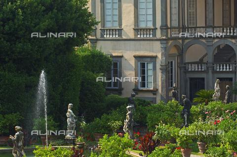 UIG-F-031091-0000 - Garden of Palazzo Pfanner or Palazzo Controni-Pfanner, Lucca - Data dello scatto: 25/06/2010 - JOSE A. MORENO / UIG/Alinari Archives