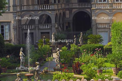 UIG-F-031094-0000 - Garden of Palazzo Pfanner or Palazzo Controni-Pfanner, Lucca - Data dello scatto: 25/06/2010 - JOSE A. MORENO / UIG/Alinari Archives