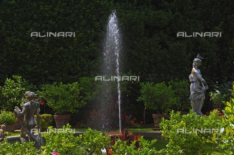 UIG-F-031095-0000 - Garden of Palazzo Pfanner or Palazzo Controni-Pfanner, Lucca - Data dello scatto: 25/06/2010 - JOSE A. MORENO / UIG/Alinari Archives