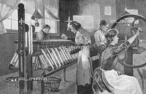 UIG-F-033626-0000 - Lavorazione della seta a Spitalfields alla fine del XIX secolo, incisione (1893) - UIG/Archivi Alinari
