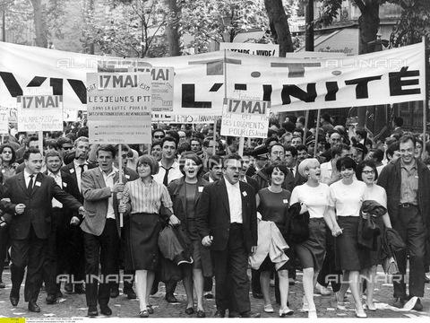 ULL-F-071273-0000 - Dimostrazione di Parigi, 17 Maggio 1968 - Data dello scatto: 17 Maggio 1968 - Ullstein Bild / Archivi Alinari