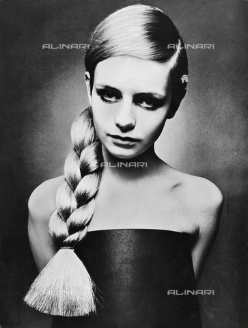 ULL-F-148129-0000 - The British model Twiggy (Lesley Hornby) - Data dello scatto: 1966 - Lateg / Ullstein Bild / Alinari Archives