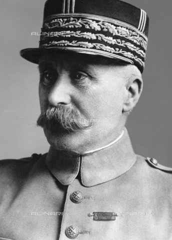 ULL-F-177455-0000 - Portrait of Henri-Philippe-Omer Pétain (1856-1951) French general and politician, Commander in chief in 1917, Marshal of France in 1918, Minister of War in 1934 and Head of the French government of Vichy since 1940 - Data dello scatto: 1930 - Ullstein Bild / Alinari Archives