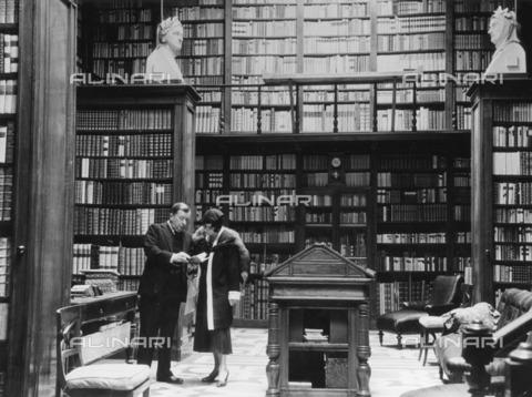 ULL-F-212101-0000 - Private Library of the Marchese Melzi di Soragna in Milan - Data dello scatto: 1933 - Alfred Eisenstaedt / Ullstein Bild / Alinari Archives