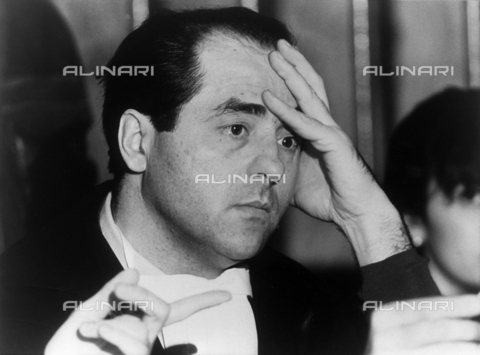 "ULL-F-224686-0000 - The Public Prosecutor Antonio Di Pietro during one of the ""Clean Hands"" trials - Data dello scatto: 28/12/1994 - dpa / Ullstein Bild / Alinari Archives"