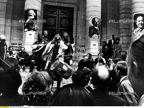 ULL-F-225589-0000 - Movimento degli studenti presso la Sorbona di Parigi, Maggio 1968 - Data dello scatto: Maggio 1968 - Perez(L) / Ullstein Bild / Archivi Alinari