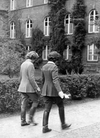 ULL-F-229938-0000 - Schoolgirls at the Sarah Lawrence College of Bronxville and Vassar College in New York - Data dello scatto: 1938 - Ullstein Bild / Alinari Archives