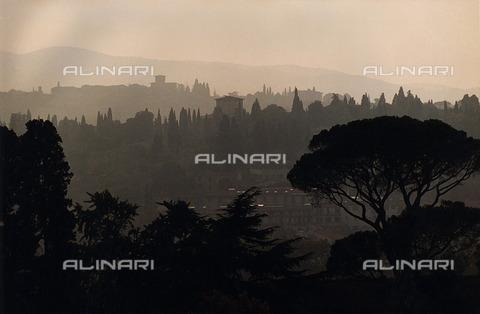 ULL-F-319152-0000 - View of Florence in the fog - Data dello scatto: 1995 - Günther / Ullstein Bild / Alinari Archives