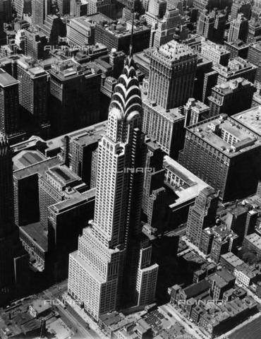ULL-F-332965-0000 - New York City view with the Chrysler Building - Data dello scatto: 1931 - Ullstein Bild / Alinari Archives