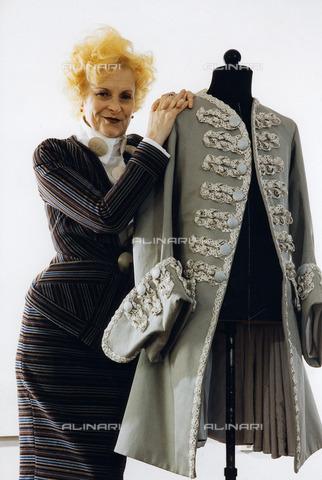 ULL-F-412687-0000 - Vivienne Westwood, 1998 - Data dello scatto: 1998 - Ullstein Bild / Archivi Alinari
