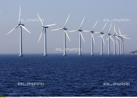 ULL-F-838793-0000 - Eliche per la produzione di energia alternativa in Danimarca - Data dello scatto: 10.06.2006 - Korth/CARO / Ullstein Bild / Archivi Alinari