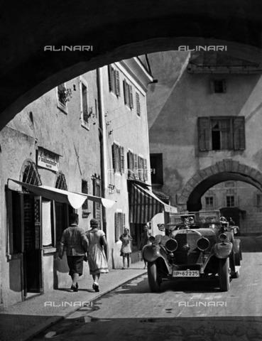 ULL-F-928518-0000 - Berchtesgaden Road in Bavaria - Data dello scatto: 1938 - Alfred Eisenstaedt / Ullstein Bild / Alinari Archives